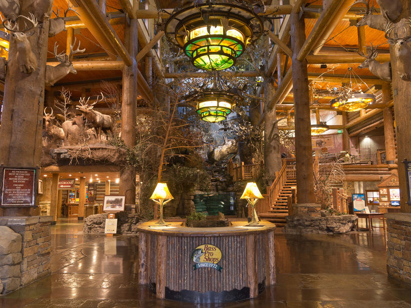 Bass pro entrance interior sr 1067